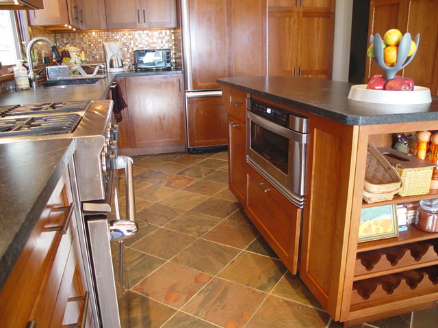 Kitchen 1 10 kitchens direct inc for Kitchens direct