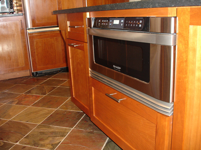 Kitchen 1 2 kitchens direct inc for Kitchens direct